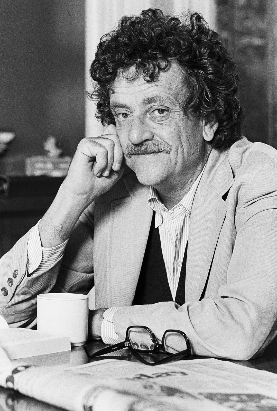 Kurt Vonnegut, Jr. in New York City, 1979. Photo by Marty Reichenthal. Courtesy of slopemedia.org.