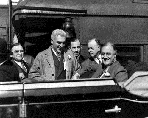 Franklin_D_Roosevelt_in_Car