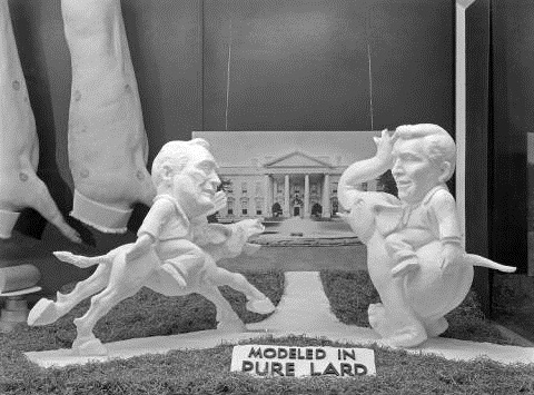 Lard sculptures of Franklin Roosevelt and Wendell Willkie in the Agriculture and Horticulture Building at the 1940 Indiana State Fair. Image courtesy of Indiana Historical Society.
