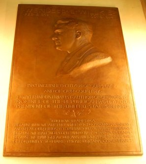 Wendell Willkie memorial at the Indiana State Capitol. Image courtesy of Wiki Commons.