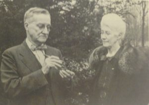 photo-4_charlie-and-stella-examining-pinecon-at-their-arboreteum-1940