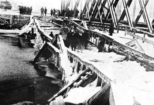 Wabash Erie Canal, Mary's River Aqueduct, ice damage, 1885-1890.