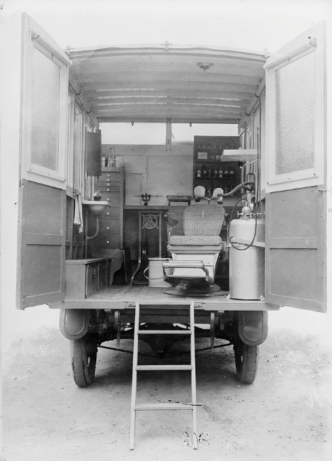 American Red Cross dental ambulance, 1918
