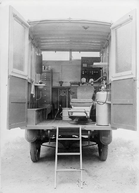 American Red Cross dental ambulance, 1918